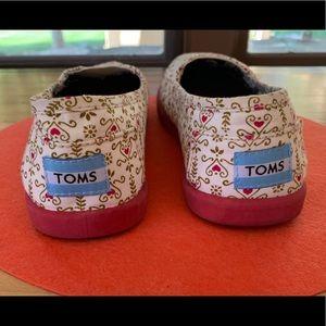 Shoes - TOMS Wms 7.5/Grls 5.5 Disney Small World slip-on